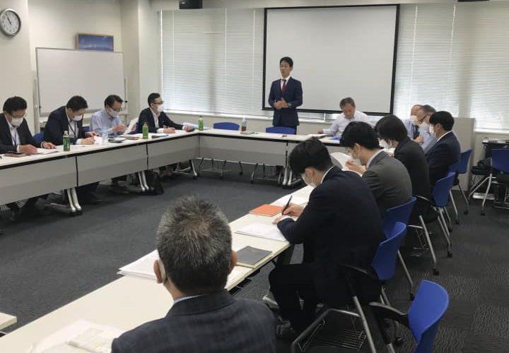 本日期末を迎えます「オーダースーツSADA」は、昨日、新たな期に向けての営業会議を開催させて頂きました。