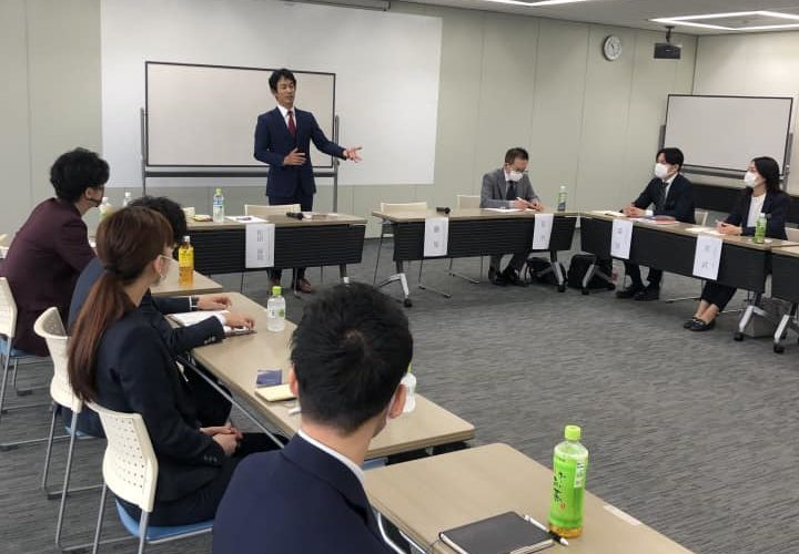 西日本・九州エリアの社長塾を開催!3〜5年後にこの会社を牽引していて欲しいと、マネージャー勢が期待する若手メンバーが、広い範囲から大阪に集められました!