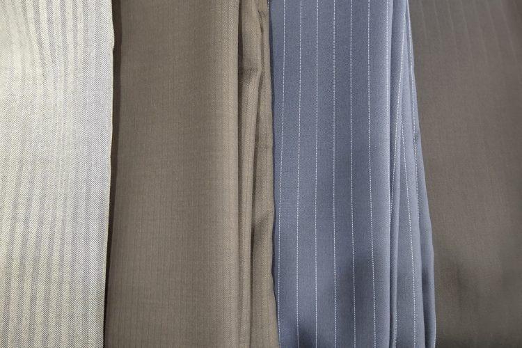 スーツの生地選び 色柄編