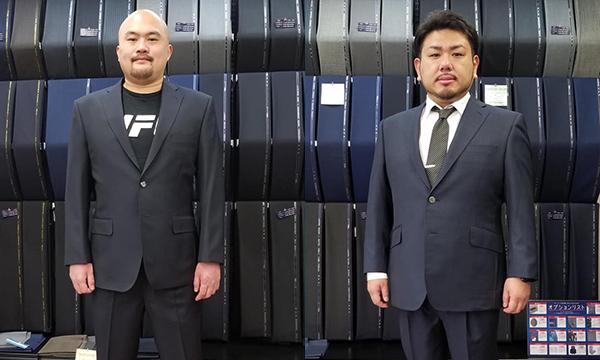 お笑いコンビ・鬼越トマホークの金野将和様、坂井良多様が、SADAでお仕立てしたオーダースーツ姿のお写真を下さいました!