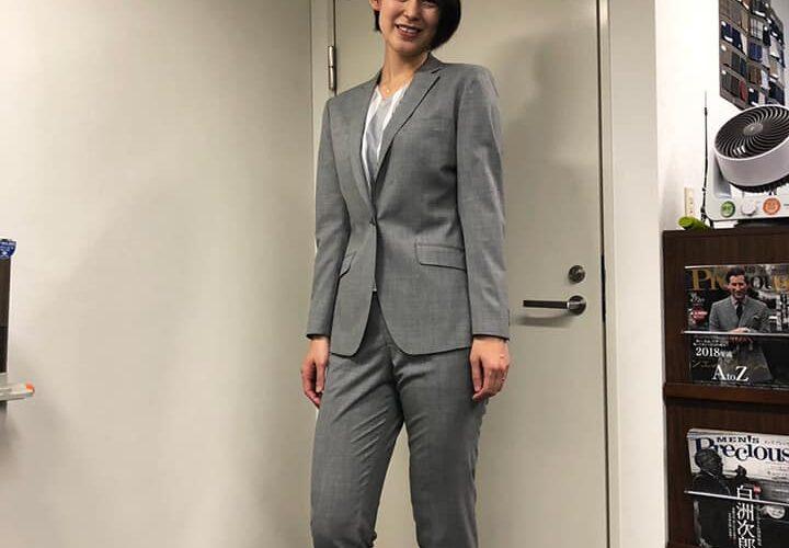 元バレーボール日本代表の大山加奈選手が、SADAでお仕立てしたオーダースーツ姿のお写真を下さいました!
