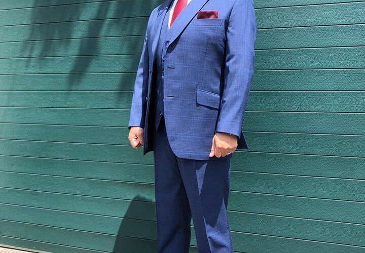 名証セントレックス上場の株式会社オウケイウェイヴ創業者である、兼元謙任会長が、SADAでお仕立てしたオーダースーツ姿のお写真を下さいました!