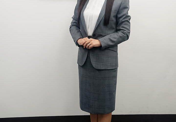 タレントの庄司こなつさんが、SADAでお仕立てさせて頂いたオーダースーツ姿のお写真を下さいました(^^)