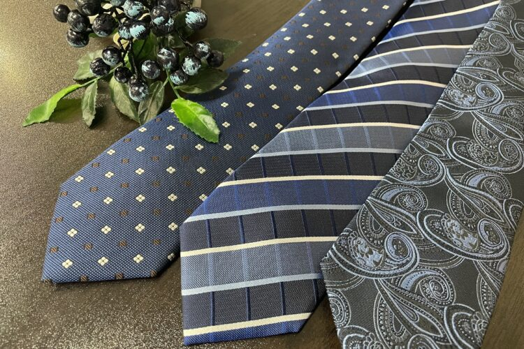 ネクタイの色による印象