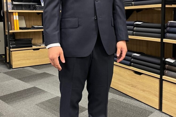 大阪京橋店:お客様スーツコレクション