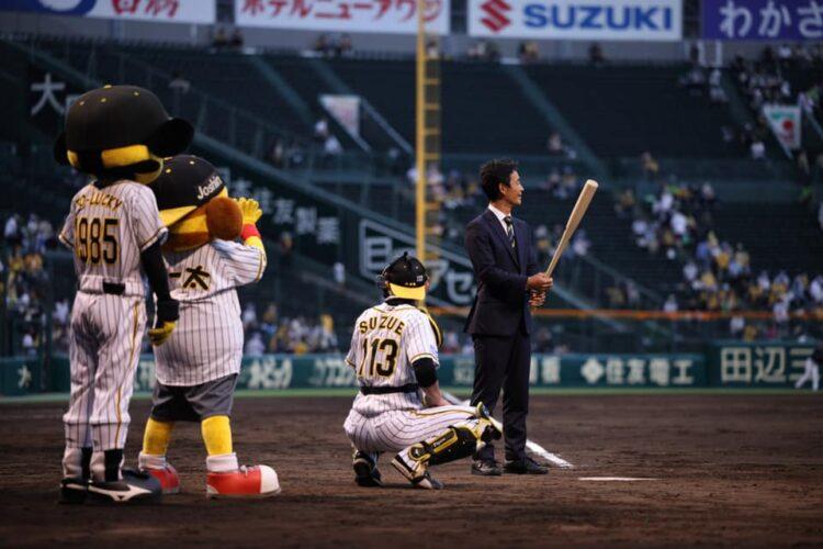 先日の甲子園での阪神タイガースvsヤクルトスワローズを「オーダースーツSADA DAY」として開催!